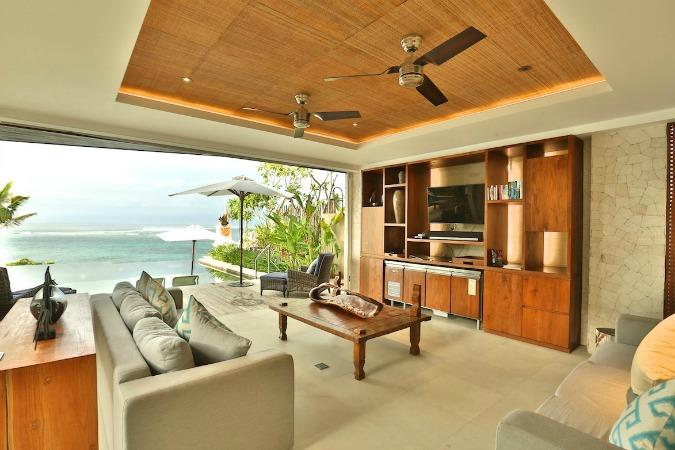 bali-villa-spacious-living-area-1